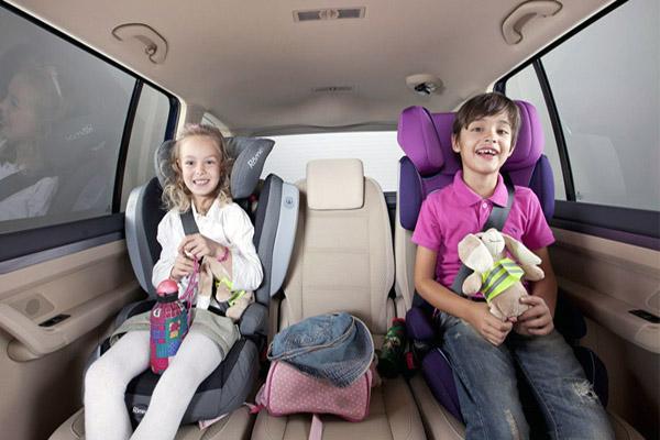 Как приучить малыша сидеть в автокресле?